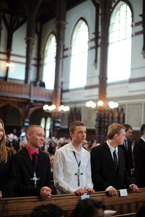 St. Paul menighet har ikke plass til å konfirmere sine egne ungdommer i St. Paul kirke. De siste årene har menigheten lånt Johanneskirken (02.06.2011).