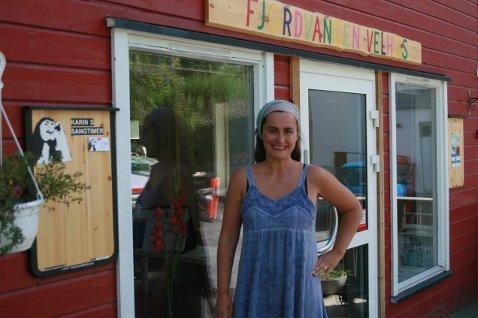 Karin Destainville Dammen fulgte sin drøm da hun flyttet til Nesodden og satset på å bli sanger og sanglærer. Foto: Ann-Turi Ford