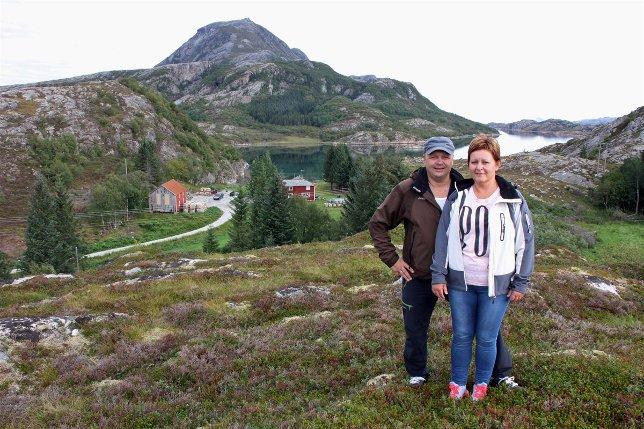 Her, i Pollan på Lurøy, rundt den gamle lensmannsgården, ønsker Knut Mikkelsen og Lene Pedersen å satse på turisme. Kommunen har godkjent åtte hytter og åtte naust, og de ønsker også å få til campingplass med plass til 60 campingvogner.