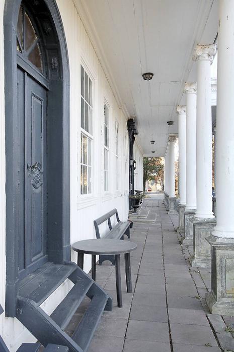 Fasaden på huset er beholdt i opprinnelig stil.