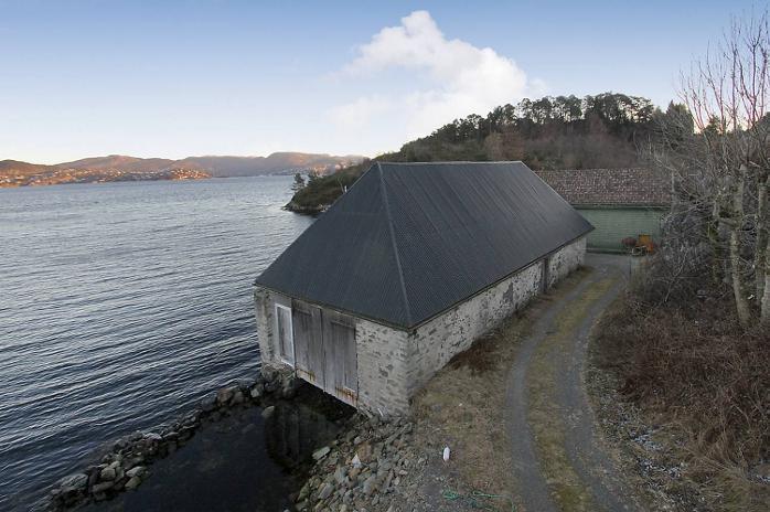 Eiendommen har utsikt mot Tertnes og Morvik i Åsane.