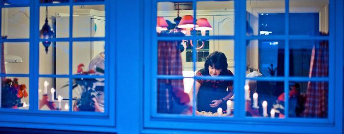 Juleforberedelser hjemme hos Torill Granstrøm Olseng på Wold Vestre gård i Skjeberg. Bli med inn, da vel! FOTO: Thomas Andersen