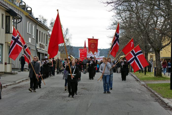 Litt i overkant av 200 deltok i demonstrasjonstoget Namsos 1.mai.