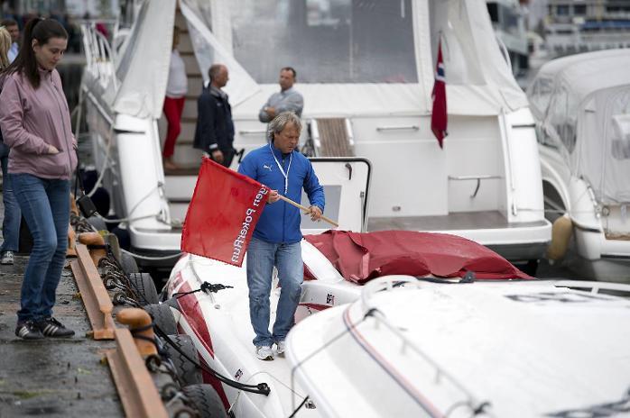 Per Antonesen er en av motorene bak Bergen Poker Run. Båtene samles i Vågen, før de kjører tur/retur Bekkjarvik (16.06.2012).