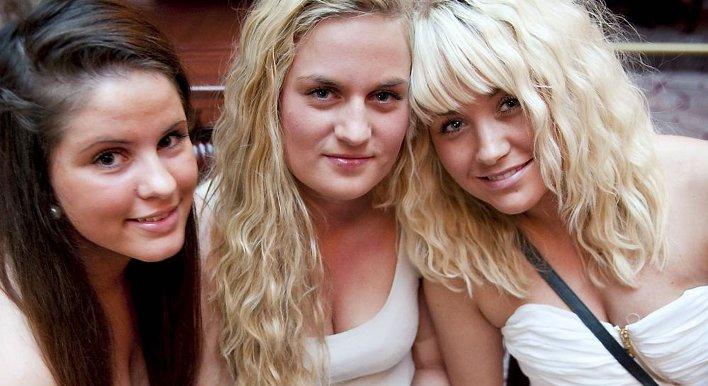 Modellen Caroline Knutsen hevder hun ikke lenger er singel! thumbnail