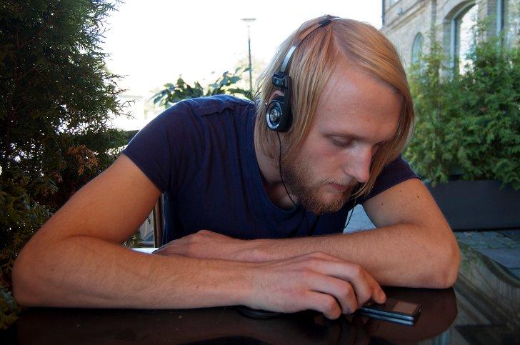Fredrik Bergersen Klemp skal vekke Norge, har valgt låta «God Morgen, Norge!» thumbnail