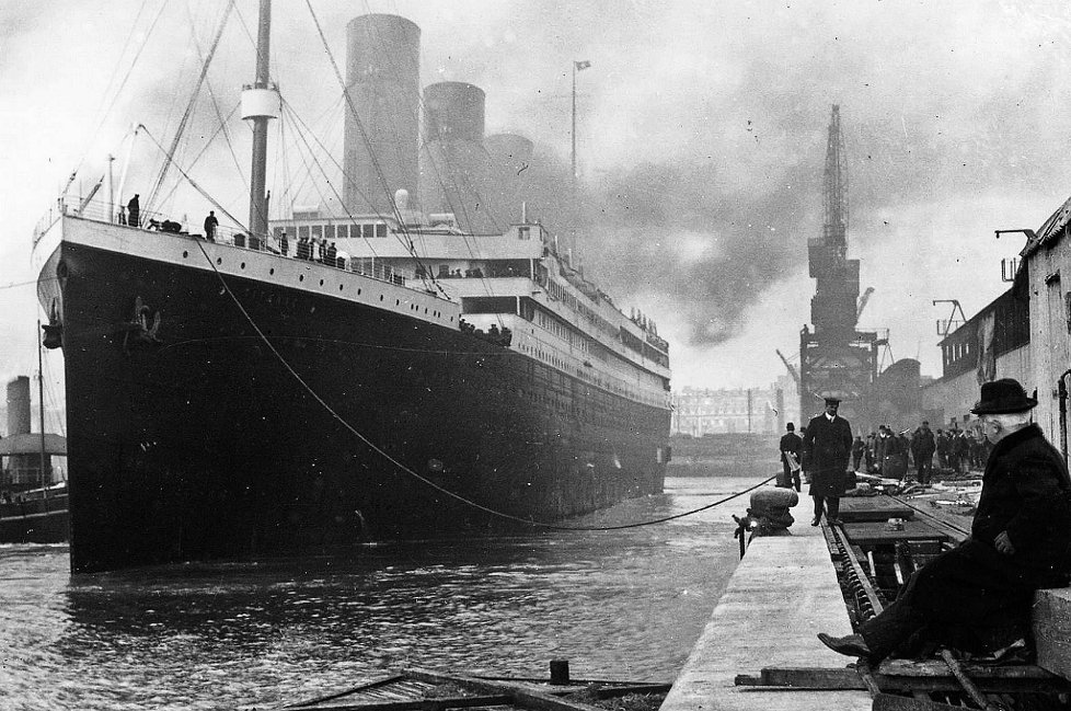 Real titanic pictures before IT sank.