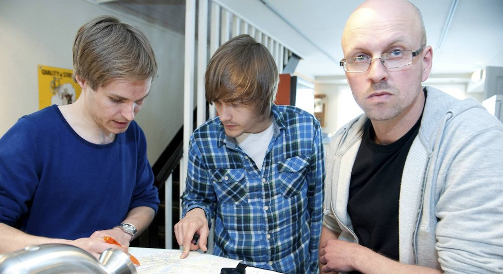 Per Kristian Slåttlis venner f.v. Christian Lundberg, Ole Kristian Einarsen og Rudi Bakken holder på å organisere en ny leteaksjon.