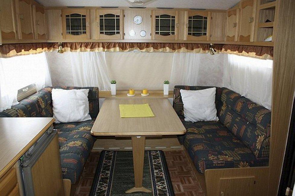 Campingvognen er tenkt utleid til studenter som ennå ikke har funnet seg en hybel.