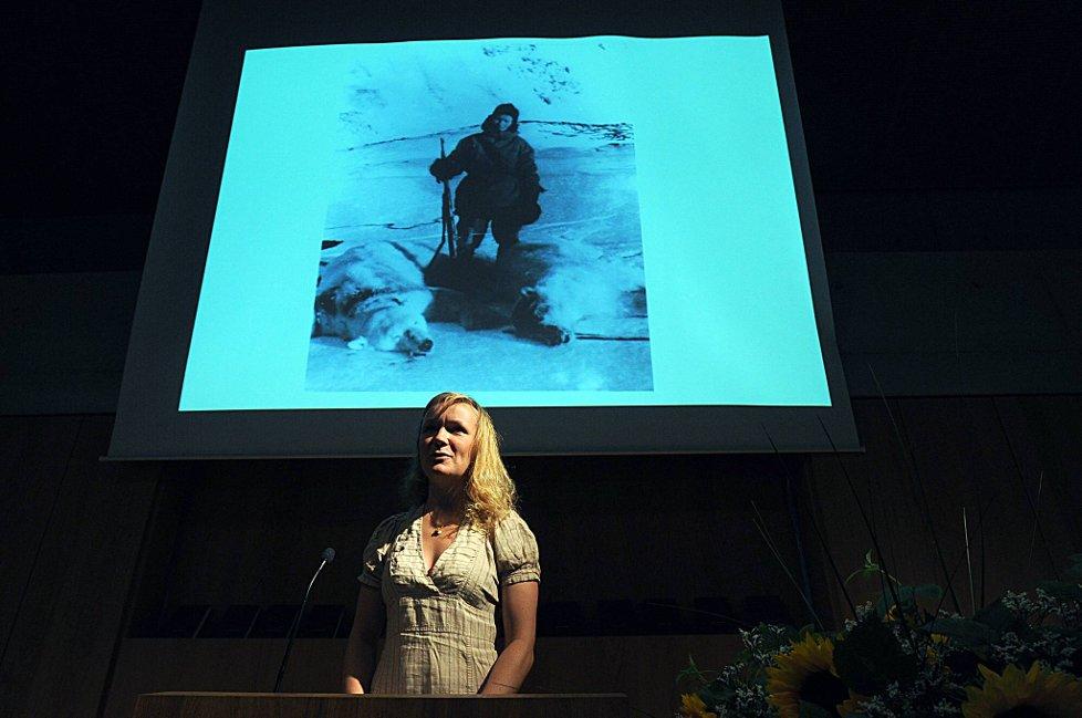 Sigri Sandberg Meløy har skrevet boken om polarheltinner. Foto: Vidar ...