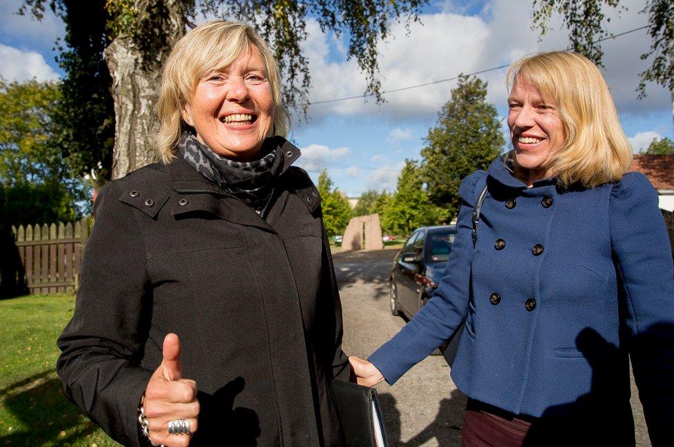 GLEDESBUDSKAP: Gunn Mona Ekornes, direktør ved Østfoldmuseene, jubler over kulturminister Anniken Huitfeldts glade budskap om 15 millioner kroner til nytt formidlingsbygg på Borgarsyssel.