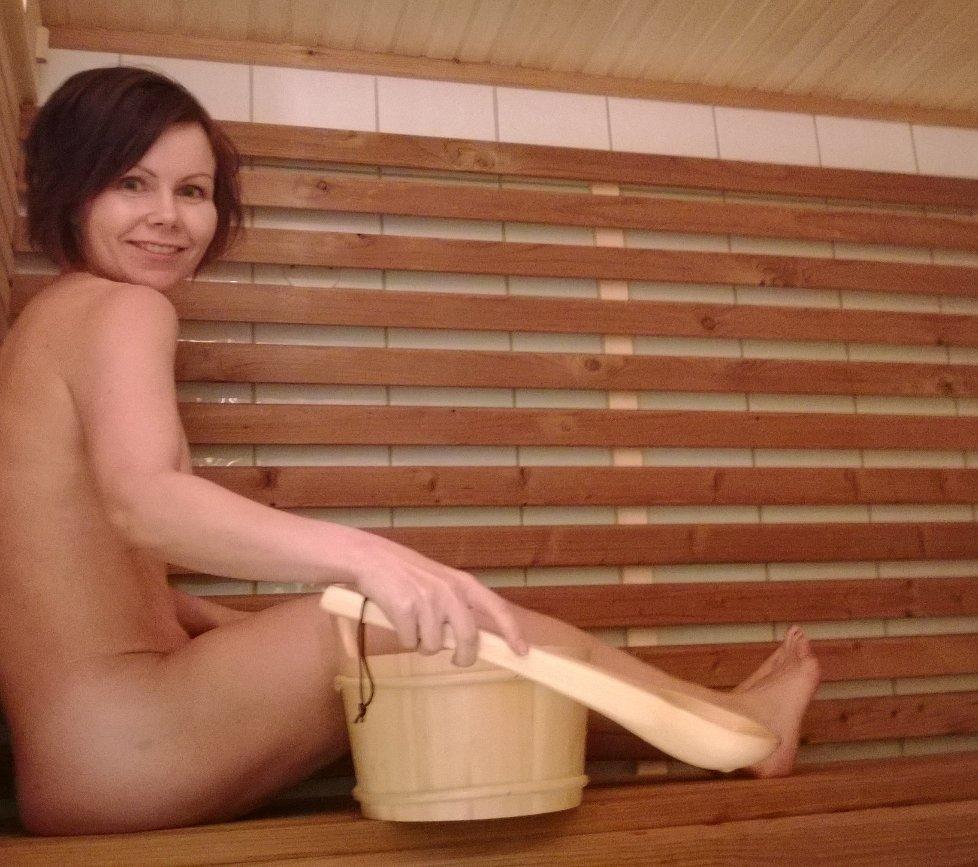 damer som tisser oslo gay sauna