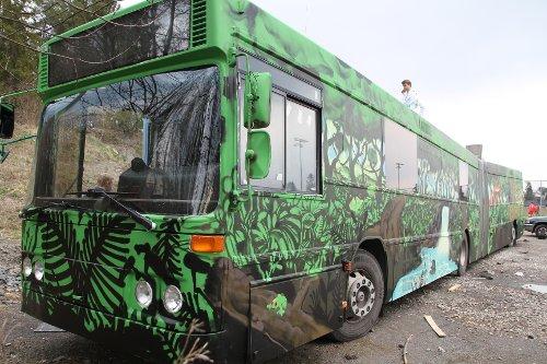 Redd regnskogen 2012 årets russebuss
