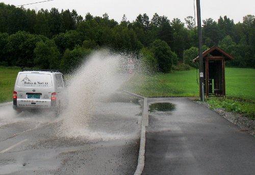 Ny busslomme i Gartnerveien i Vestby samler vann