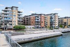Tønsberg/Kaldnes - Lys 3-roms eierleilighet beliggende i 6. etg med to solrike balkonger. Garasjeplass