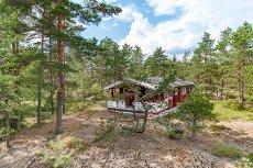 Skodsbergåsen - Aremark. Trivelig hytte i naturskjønt område. Bilvei frem.