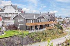 Fjerdingby/Smestad Vest - Lekker del av 2-mannsbolig, ny i 2012. Integrert garasje.