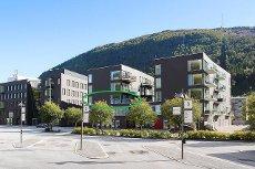 Nyere 3-roms leilighet i sentrum - Vannbåren varme / Heis / Balkong / Garasje