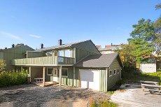 4-roms rekkehus med garasje og terrasse