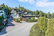 Terrassehus med flott utsikt over Oslofjorden- Trappefri adkomst- Praktiske planløsninger- Garasje