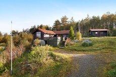 Romslig og koselig hytte med naust på utsiktstomt Fyllingsnes - Eikangervåg
