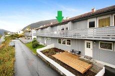 Pen 2-roms B/L-leilighet med fjordutsikt
