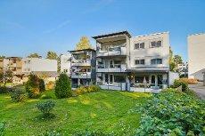 4-roms toppleilighet med flott og solrik beliggenhet - Garasje