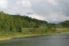 Raulandsområdet - Villmarksopplevelse - Fjellhytte ved vann utenfor allfarvei