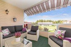 Velholdt og trivelig leilighet med tre soverom, vestvendt balkong og garasje!