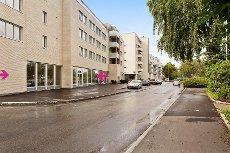 Ås sentrum - Nytt stort forretningslokale med bra eksponering - for salg rett ved Jernbanestasjonen.