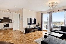 Vevelstadåsen-SVÆRT gj.ført oppusset 2-r i topp etasje! Nytt baderom, nytt kjøkken, garasje og balkong på ca 14 kvm!