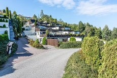 *Visning i dag* Terrassehus med flott utsikt over Oslofjorden- Trappefri adkomst- Praktiske planløsninger- Garasje