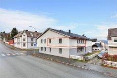 Frydenlund: Andelsleilighet m/ 1 soverom beliggende i 2 etasje. Balkong.