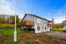 Vedhøggan - Betydelig oppgradert enebolig med 4 soverom, uthus og garasje.
