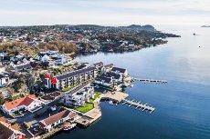 Rekkevik Brygge- Nye lekker leilighet - 3 soverom - Heis - Garasje - Bølgeskvulp og sjøutsikt - Mulighet for båtplass