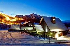 STAVTAKET - Fritidsleilighet i alpinanlegget. I øverste etasje mot bakken med flott utsikt og gode solforhold