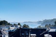 Denne leiligheten troner over de fleste andre tak i byen! 80 kvm. terrasse!