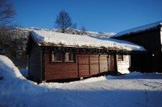 Hovdestøylen - Møblert hytte rett ved Hovdestøylen - Kan bygges ut med 40 kvm!