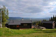 Skuruberget/Sørskogbygda - velholdt fritidseiendom med panoramautsikt over Kynndalen.