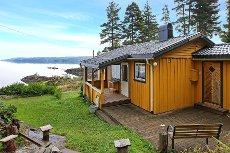 Unik beliggenhet ved Øyeren. Koselig hytte på Hvittensand, 20 m fra vannet.