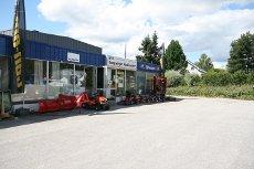 Næringseiendom med god eksponering - nyere kaldtlager - verksted/kontorer/butikk/utstilling