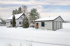 Båstad - Koselig eiendom med stor garasje. Visning onsdag 11. februar kl. 12. Velkommen !