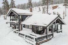 BJØNNÅSEN: Særdeles flott og gjennomført hytte m 4 sov. som innbyr til den gode familiekosen til fjells! Nydelig utsikt.