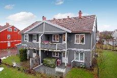 Tjøme/Haugfeltet - Meget pen leilighet m/3(4)sov & 2 bad - Garasje - Nær sentrum!
