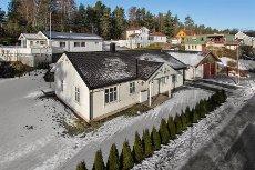 Son - Strømbråten - Enebolig med alt på en flate med stor og solrik tomt   Barnevennlig   3 sov.   Carport