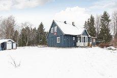 HAGA: Koselig enebolig med nyere kjøkken og bad - Stor, solrik terrasse - Ildsted - Familievennlig beliggenhet!