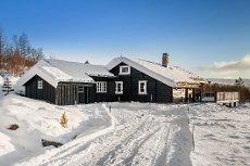 Flott hytte med mye sol og fantastisk utsikt på Høk