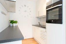 Lillestrøm syd - Moderne 2-roms m/balkong & kjøkken med hvitevarer -Sentralfyring og varmtvann inkludert! IN-Ordning!