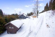 Lillehammer - Landlig beliggende enebolig på romslig tomt. Garasje og stabbur.