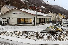 Næringslokale på Arnatveit i god teknisk stand Kontor/lager/tannlege